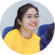 Ms. Thùy